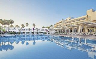 The Dome Beach Club Demi-pension, Larnaca