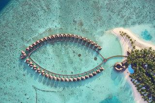 Vilu Reef Island Resort 4*