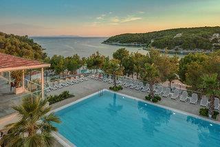 Waterman Milna Resort 4*