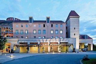 Algonquins Explorers Hotel