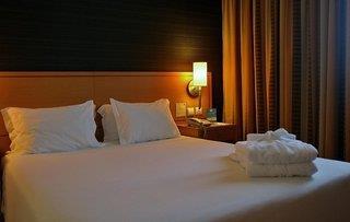 Quality Inn Portus Cale 4*
